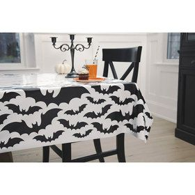 Black Bats Plastic Tablecover (1)