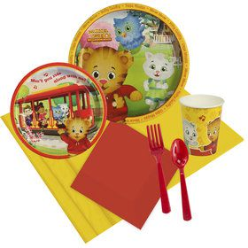 Daniel Tiger's Neighborhood Deluxe Tableware Kit (Serves 8)